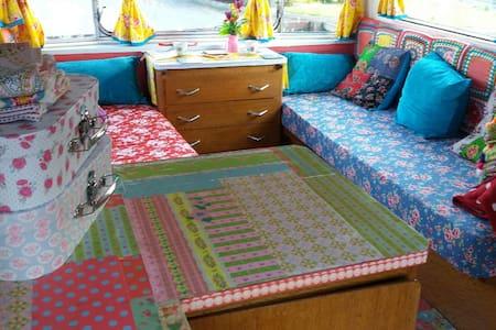 Glamping Donegal, Vintage Caravans - Husbil/husvagn