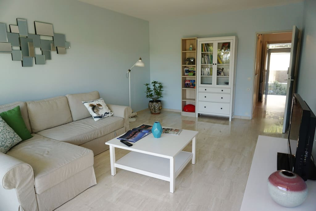Sunny appartment in front of mediterranean sea flats for - Home salons villeneuve loubet ...