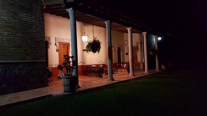 Habitación privada 2  Hacienda de oriente