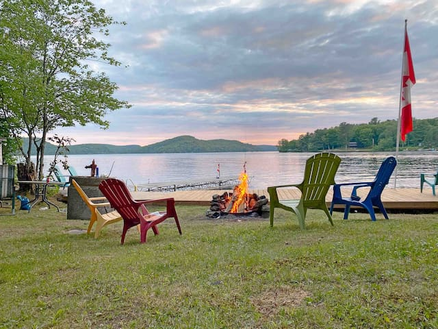 Rustic Family Friendly Cottage On Beautiful A Lake