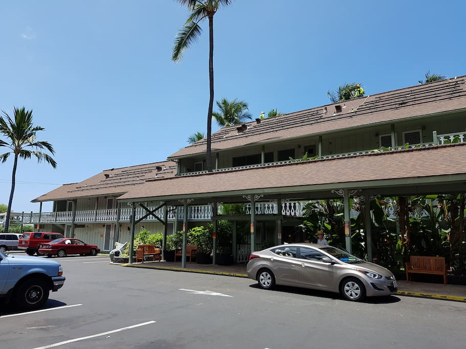 Downtown Condo With Lush Tropical Gardens Condominiums For Rent In Kailua Kona Hawaii United