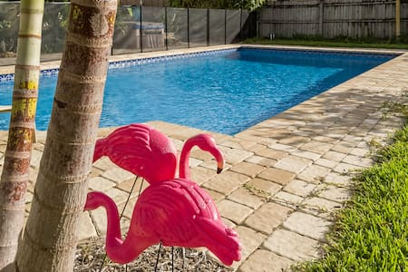VINTAGE BEACH HOUSE W/ POOL 3 BLOCKS FROM DOWNTOWN - Lake Worth - Rumah
