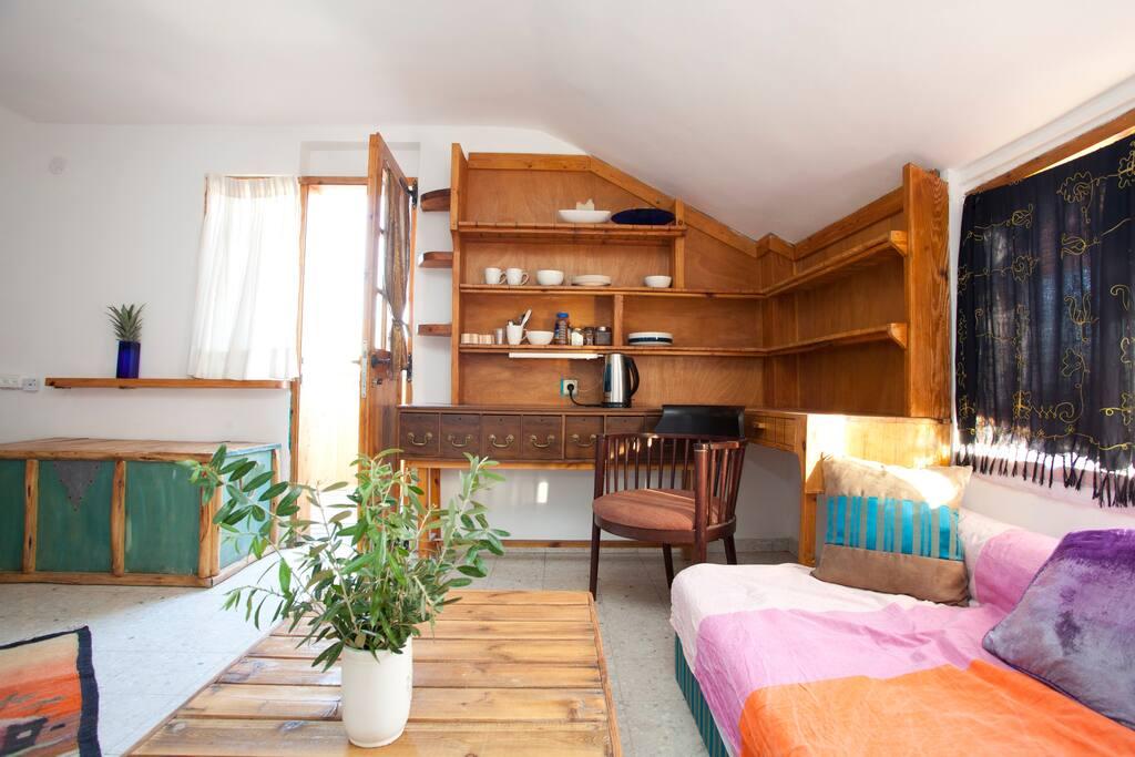 Private balcony & bathroom, large