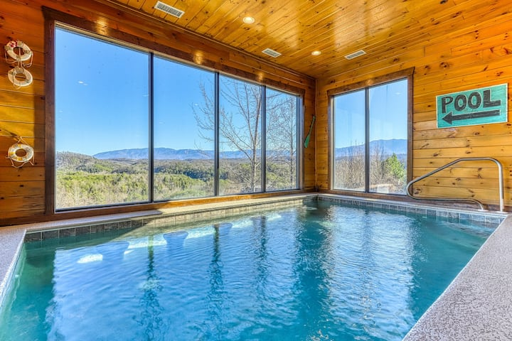 Large Cabin W Private Indoor Pool Hot Tub Theater Shared Outdoor Pool Cabins For Rent In Pigeon Forge Tennessee United States