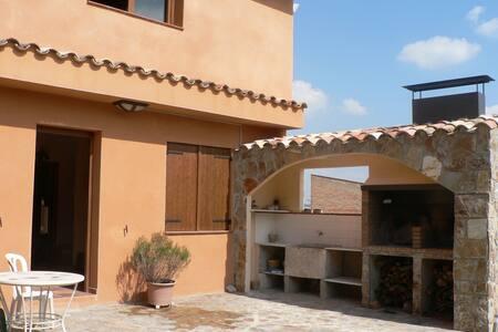 CASA RURAL/COUNTRYHOUSE 1h from BCN - Sant Antolí i Vilanova - Haus