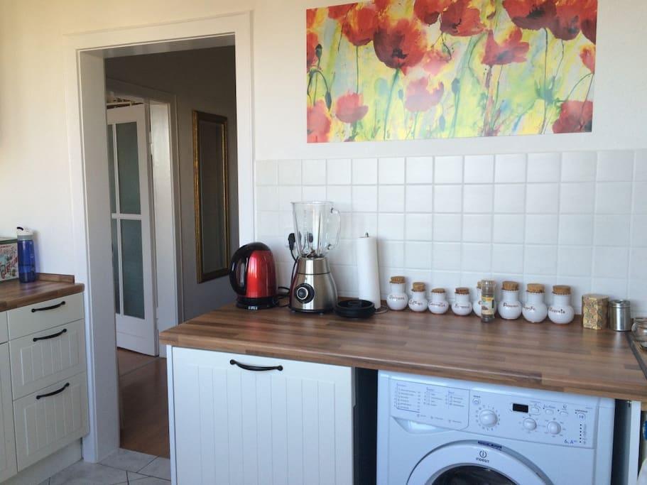 Küche - Wasserkocher, Standmixer, Spülmaschine, Waschmaschine