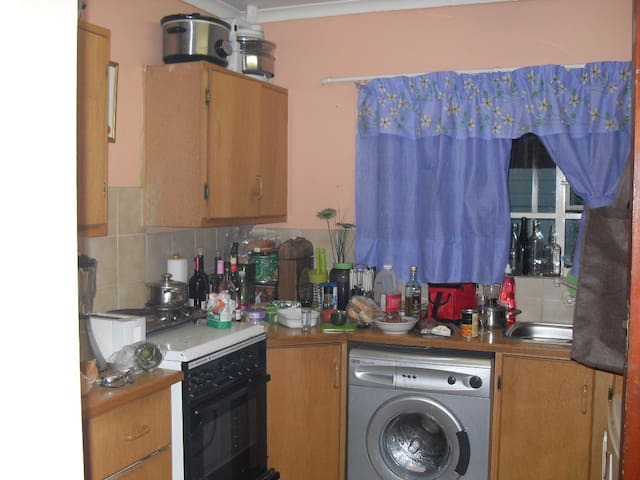 3 bedroom flat in the Orchards Pretoria