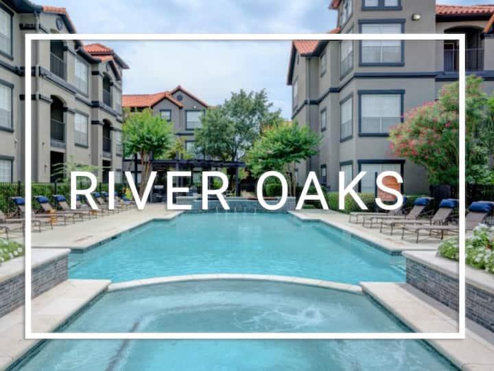 River Oaks Getaway | SPARKLING CLEAN + Fast WIFI