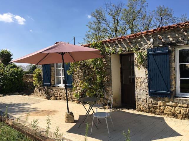 Le Petit Toit Gîte at La Charpenterie