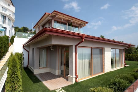 Villa ( 2-bedroom apartment) with Sea View - バルナ