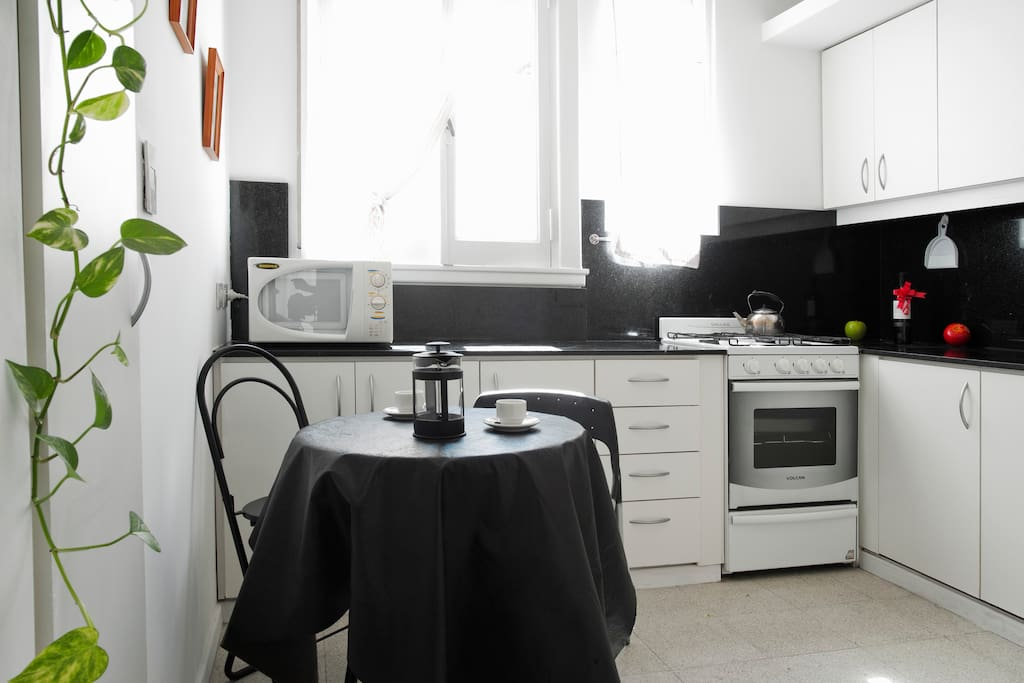 Gorgeous kitchen, refurbished and well equipped