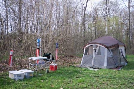 Rent A Tent @Grins & Pickin's CampFarm - Marengo - Tent