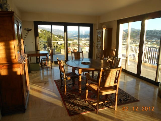 roof terrace aprtment 200m2 sea and mountain view