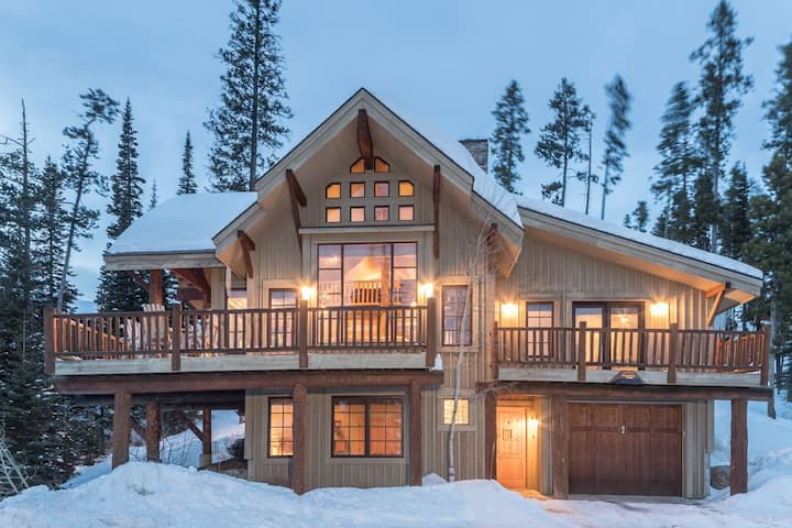 Charming, Ski Accessible Home with Private Hot Tub and Great Views