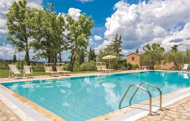 Holiday apartment with 2 bedrooms on 60m² in San Donato in P. FI