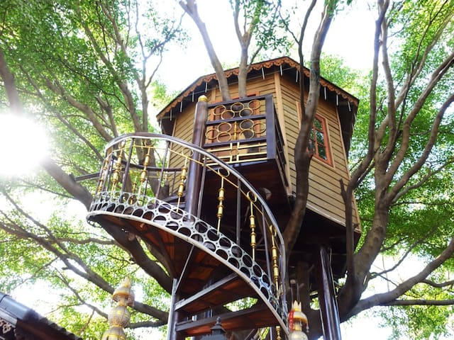 Tree House in the City, relax and quiet