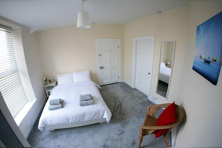 Huge 6 Bedroom Georgian Townhouse in Dublin City