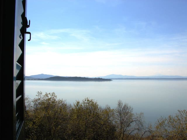 Typical house on Trasimeno Lake - Monte del Lago - House
