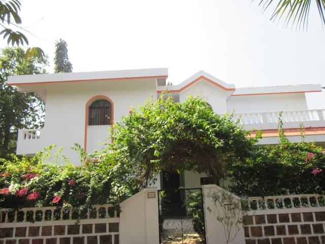 South Goa Beach Villa - Varca - Talo