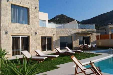 Coral Villa near Kissamos - Sfinari - Vila