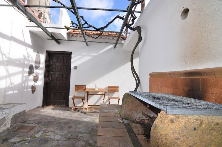 Casa El Patio - Rustic studio with barbecue 2
