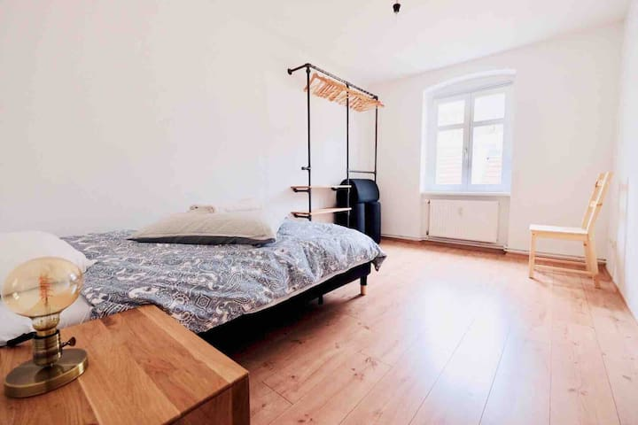 Private room in a renovated apartment in Kreuzberg