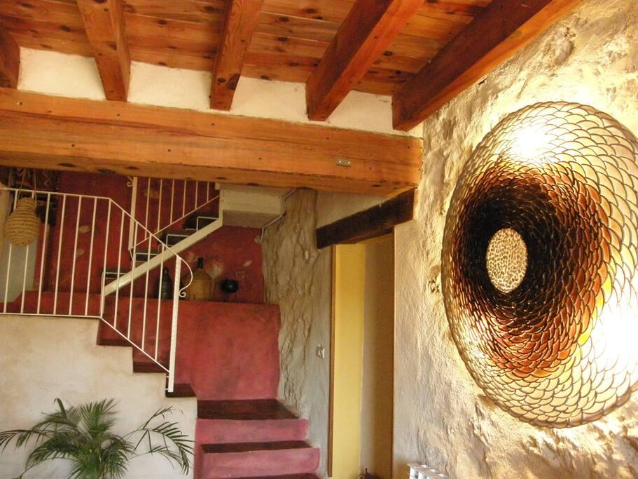 Escalera de subida a las habitaciones