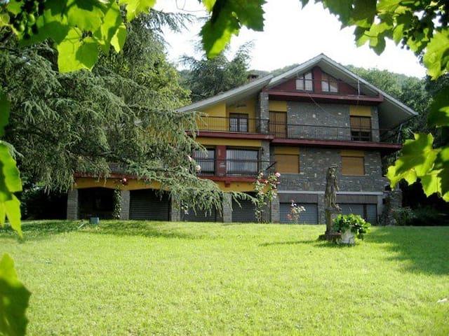 Beautiful Italian House by the Lake