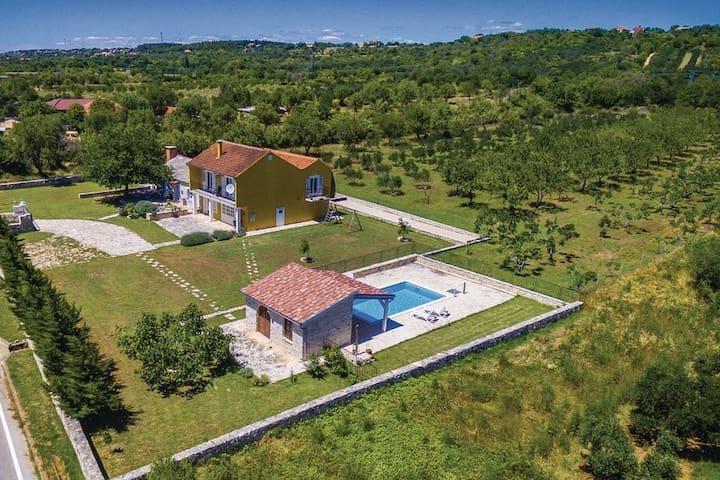 Rustic country villa, VILLA MORLAKIA