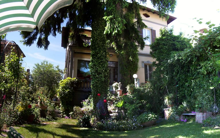 LAGO DI COMO    Villino Anna - Calolziocorte - ที่พักพร้อมอาหารเช้า