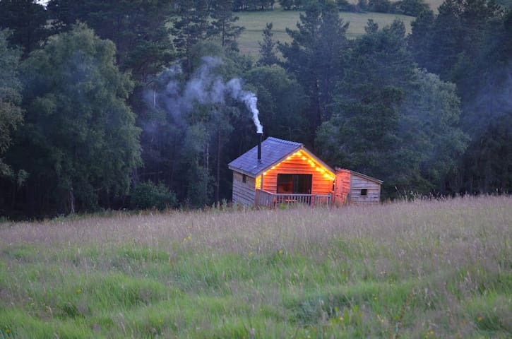 Bryn Glas-Dewi Log Cabin at Welsh Glamping