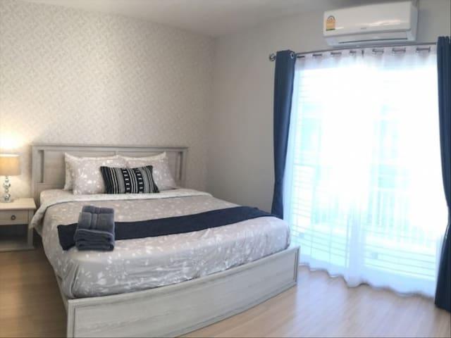 Stockholm vackra privata sovrum med badkar