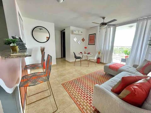"""""""Orange"""" Clean, Cozy  and Centrally Apartment"""