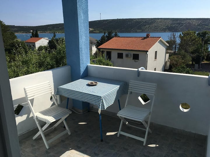 Two bedroom apartment with terrace and sea view Stara Novalja, Pag (A-9368-b)