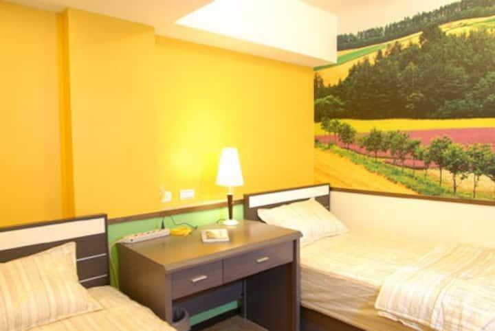 海婆婆TPEshort rent ,Xihu MRT,2 bed A