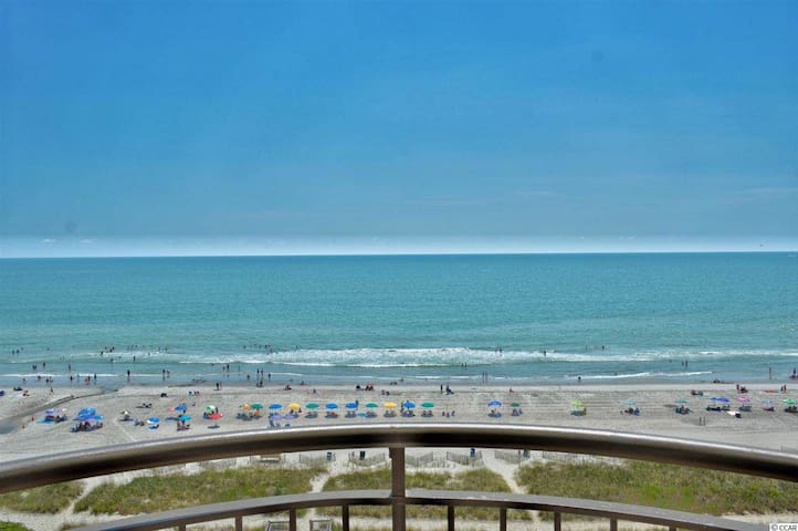 Gorgeous Condo with Brilliant Oceanfront View