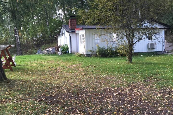 Seeside cabin, all seasons by the lake Krøderen.