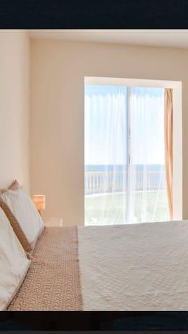 BEACHFRONT Club la Costa FRENTE AL MAR CON JARDIN - Las Lagunas de Mijas - Appartement
