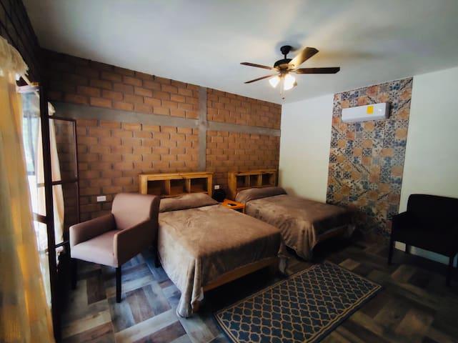 """Hermoso Hotel Rústico  """"Villa de URIKE"""""""