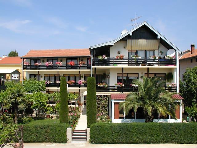 Villa Mautner - Room with Balcony 5 - Vodice - Villa
