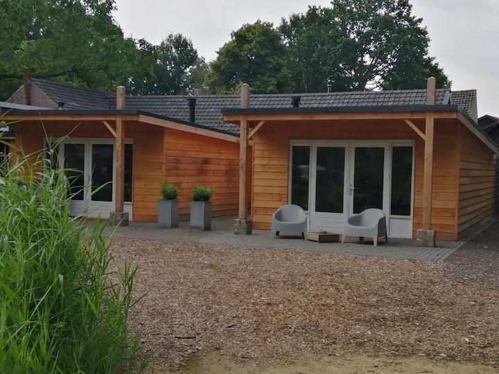 2 persoons huisje op prachtige locatie Het Denneke