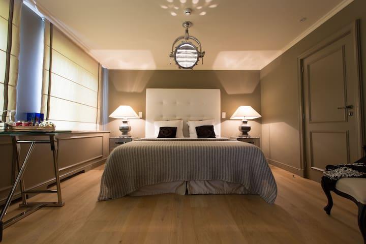 Guesthouse Villa Reynaert - Maaseik