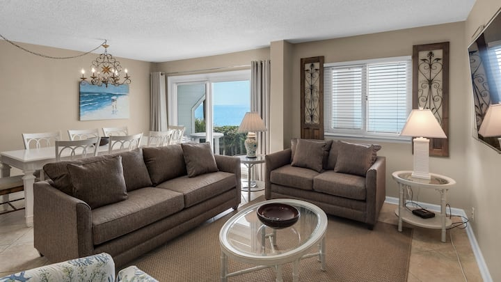 Awesome 3BR Beachfront condo - WiFi - Great Rates! - Sand Cliffs 118