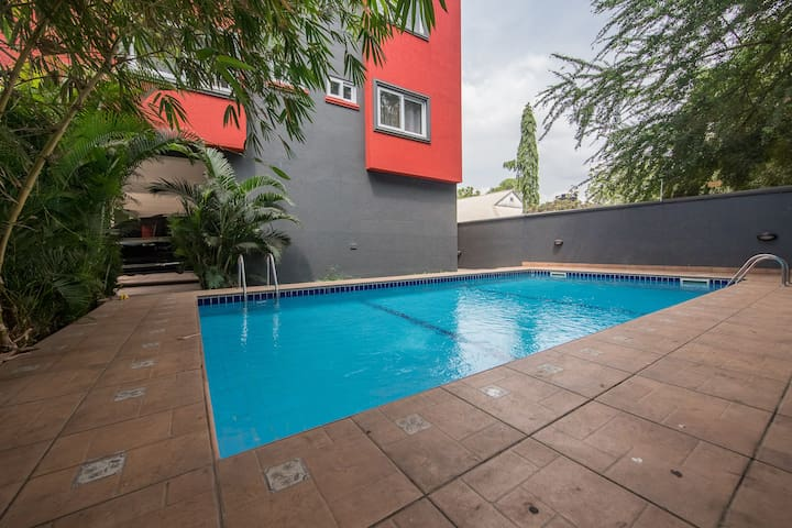 Two (2) Bedroom Apt with a pool in Ridge, Accra