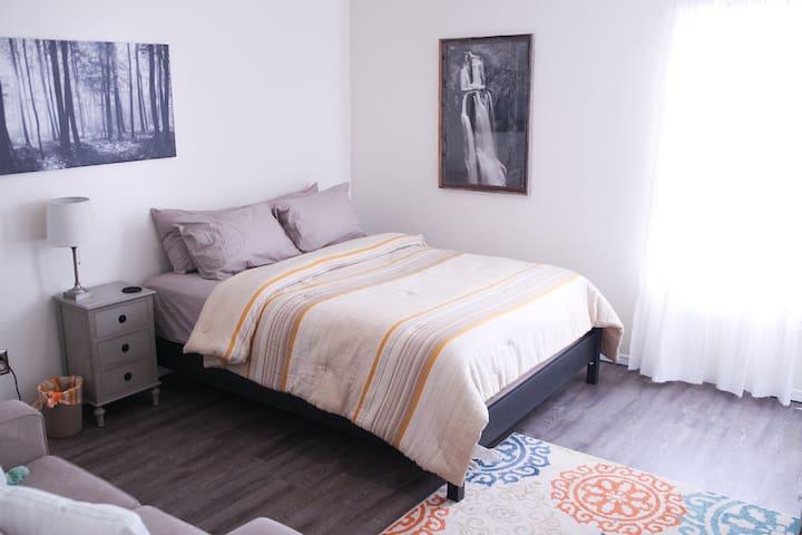 C3 Annex--The Suite