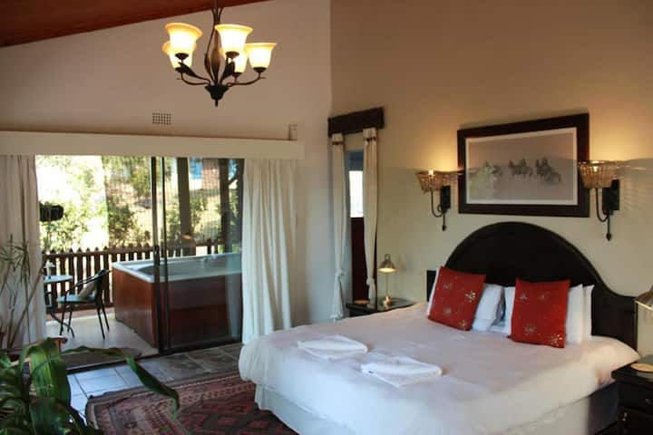 The Sabie Town House - Luxury Suite With Hot Tub