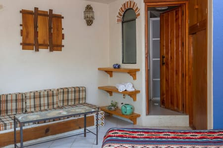 """Hermosa Suite con balcon"" - Tepoztlán - Bed & Breakfast"