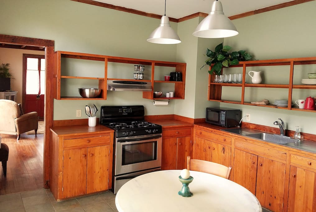 Cook friendly fully furnished modern kitchen