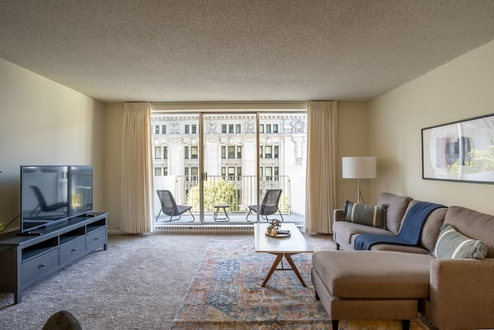 Furnished 1BR in FiDi Near Waterfront