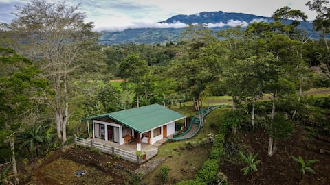 Casa de campo con vistas al Valle Turrialba
